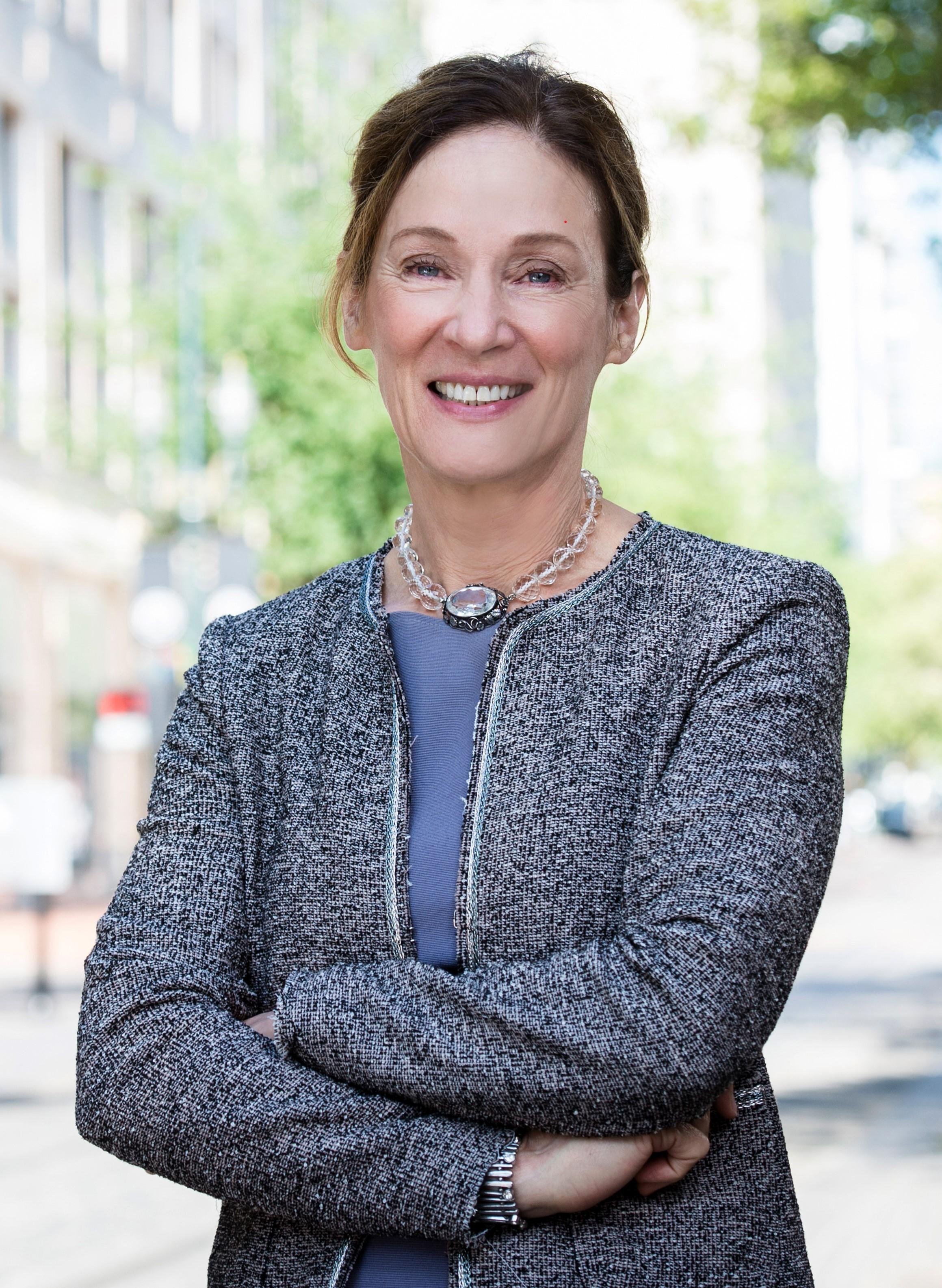 Image of Julie R. Vacura